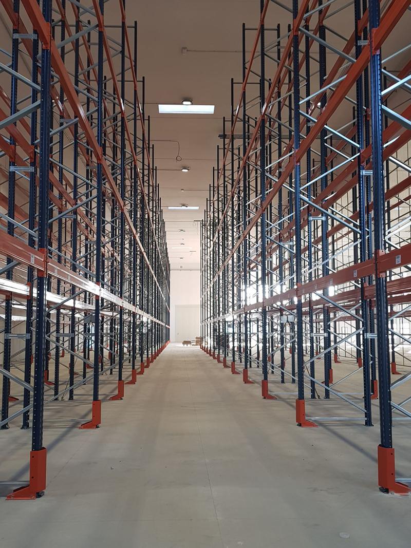 scaffalature industriali magazzino Savona