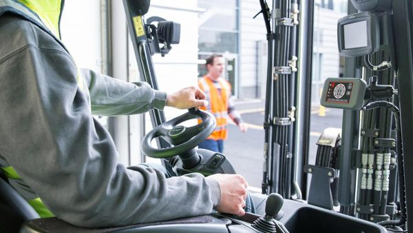 checklist carrelli elevatori controllo accessori sicurezza