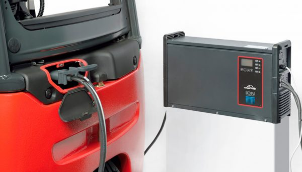 batterie agli ioni per carrelli elevatori